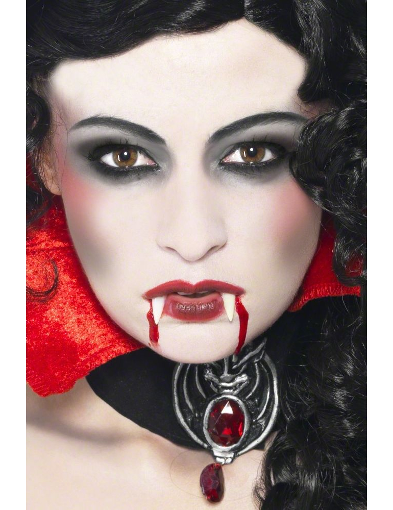 maquillage vampire pour femme