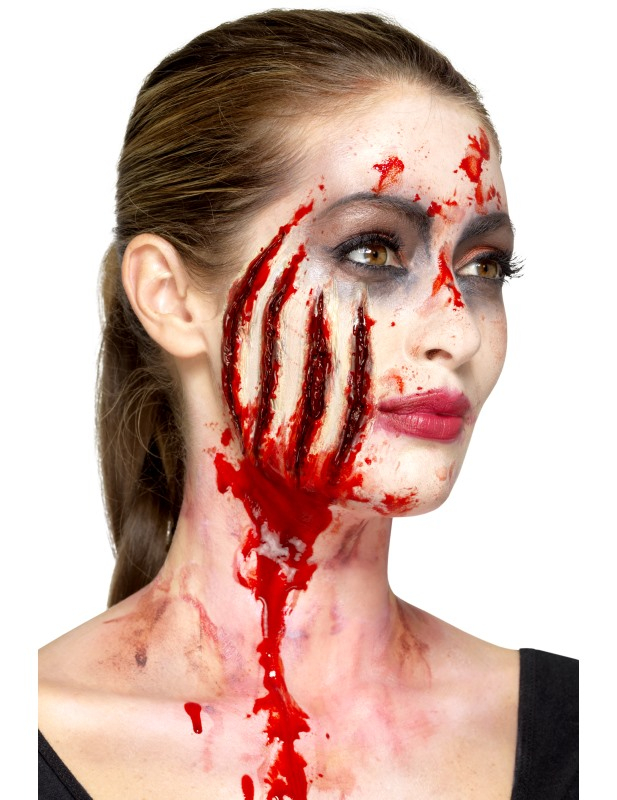maquillage halloween zombie avec latex