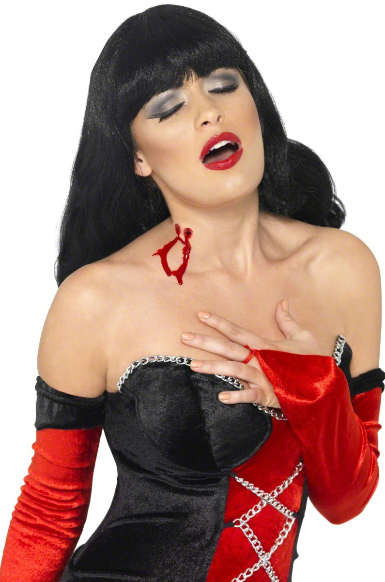 maquillage morsure de vampire adulte. Black Bedroom Furniture Sets. Home Design Ideas