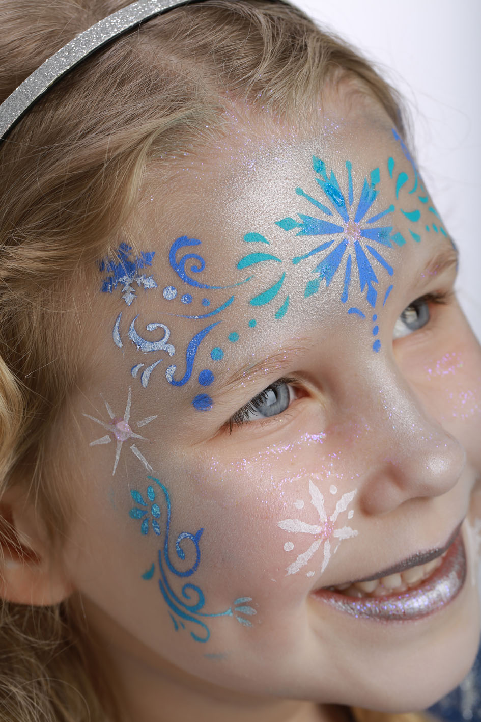 Pochoir de maquillage r utilisable princesse des neiges - Modele maquillage princesse ...