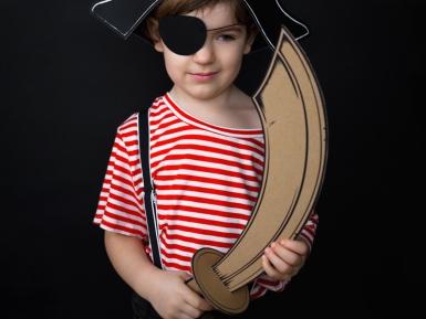 Epée de pirate en carton enfant DIY-1