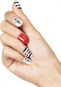 Faux ongles adhésifs marin femme