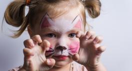 Comment réaliser un déguisement de chat fait maison ?